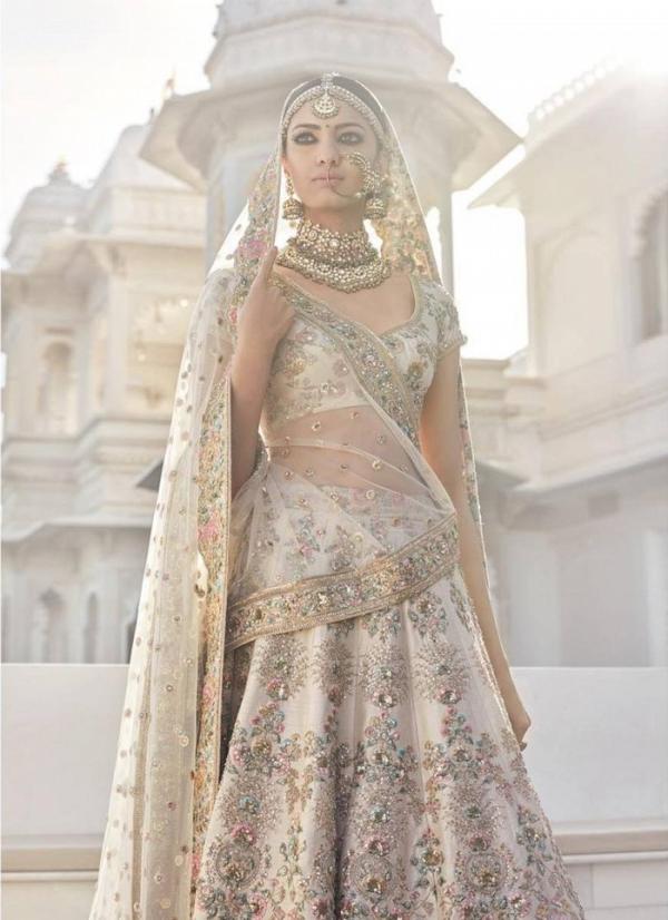 Gold bridal sari by Sabyasachi