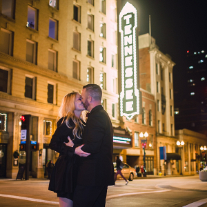 engagement photos in Downtown Knoxville