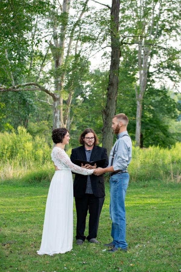 Simple outdoor park elopement