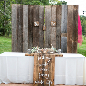 Rustic wedding sweetheart table