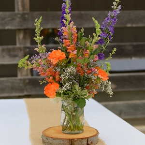 Rustic centerpiece on The Budget Savvy Bride