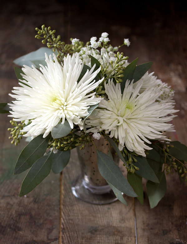 Diy spider mum centerpiece aisle society