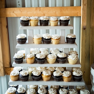 Wedding cupcakes on The Budget Savvy Bride