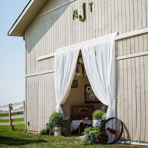 Rustic Barn Wedding Location