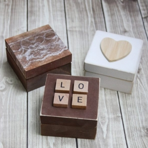 DIY rustic ring bearer boxes from The Budget Savvy Bride