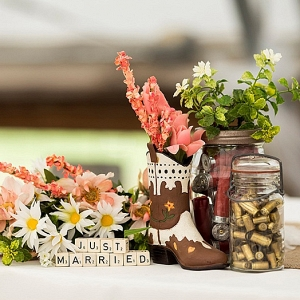 rustic wedding decor from The Budget Savvy Bride