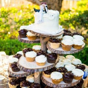 Rustic Wedding Cake Stand | Shoot Any Angle Wedding Photography