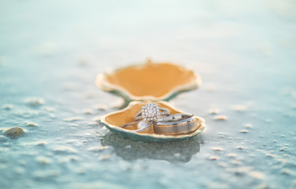 Engagement rings on The Budget Savvy Bride