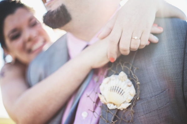 Laura+++Matt+Featured+DIY+Wedding+_+The+Overwhelmed+Bride+Bridal+Lifestyle+++Wedding+Blog+_+Boutonniere