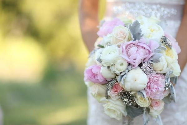 light+pink+bridal+bouquet