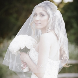 bride+veil+portrait