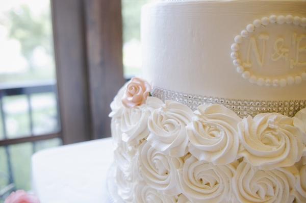 monogrammed+elegant+wedding+cake+salmon+and+white