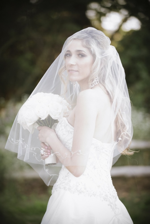 bride+veil+portrait