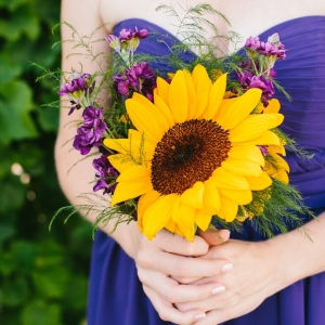 sunflower+bridesmaid+bouquet+-+rustic+intimate+oklahoma+wedding+at+Darlington+Chapel4
