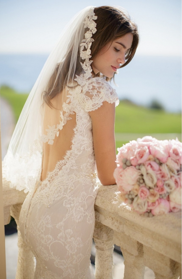 'Angelina' Lace Trim Tulle Veil