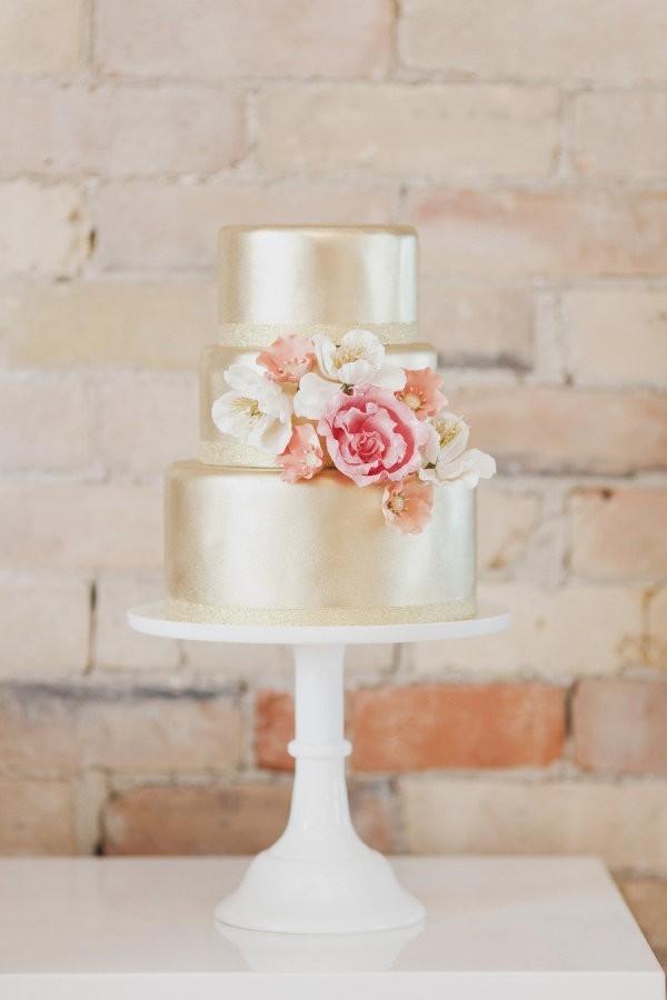 Gorgeous golden cake