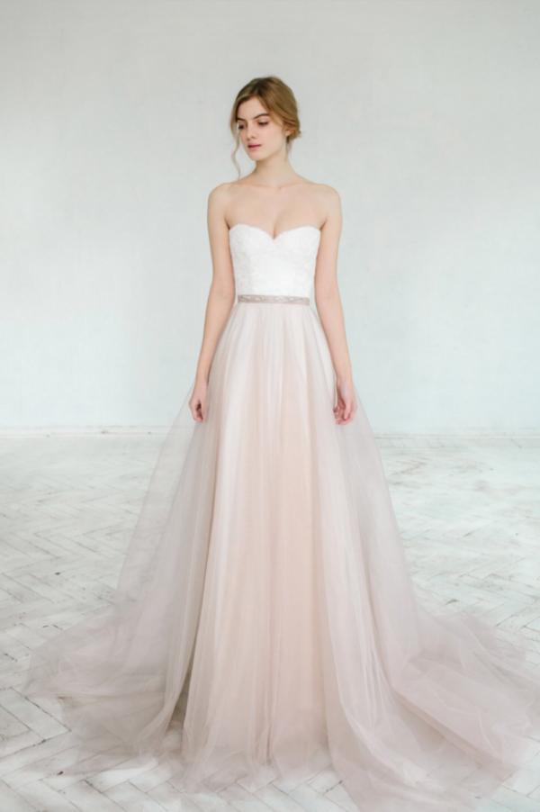 Hint of Blush Wedding Gown, photo by Masha Golub