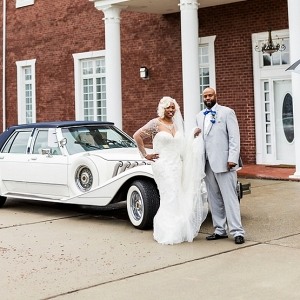 Mansion wedding with classic car