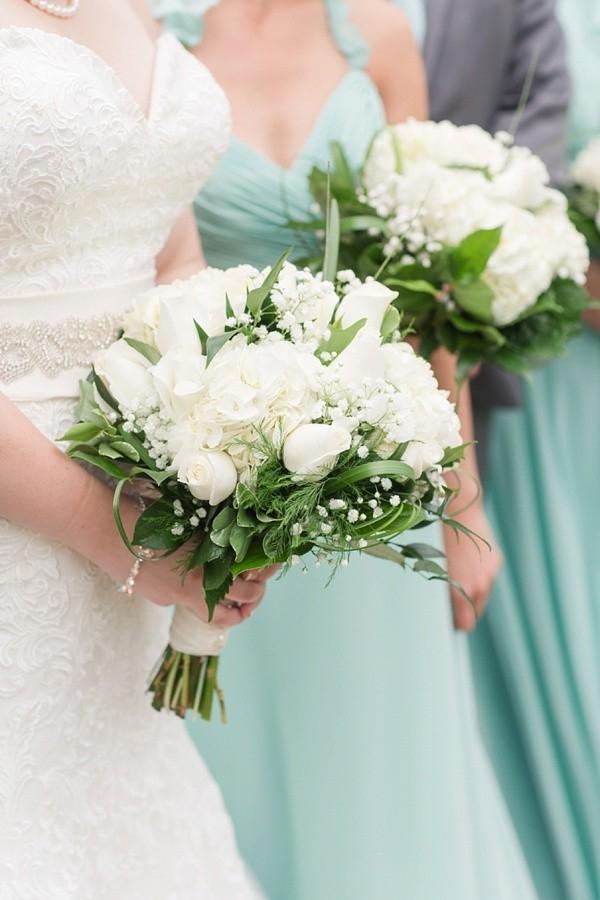 All white bridal bouquet