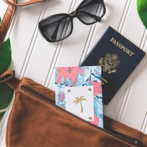 Easy DIY honeymoon passport cover