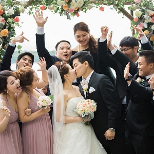 Elegant Korean wedding party