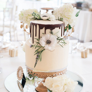 Wedding cake centerpiece