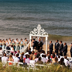 Gorgeous mantle for beach ceremony arch