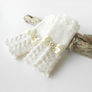 White Knitted Bridal Gloves