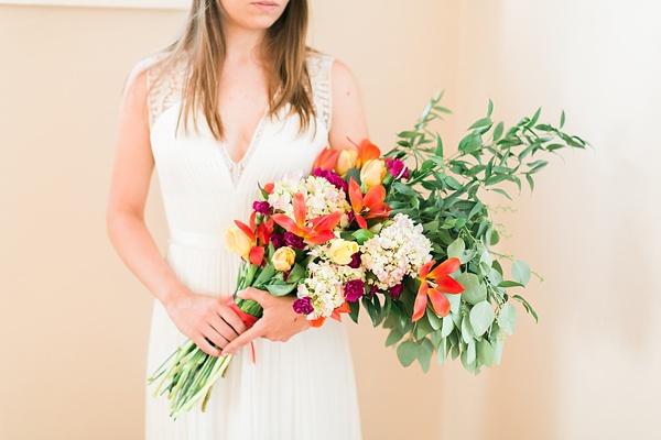 Presentation style wedding bouquet