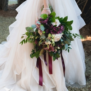 Organic and loose wedding bouquet