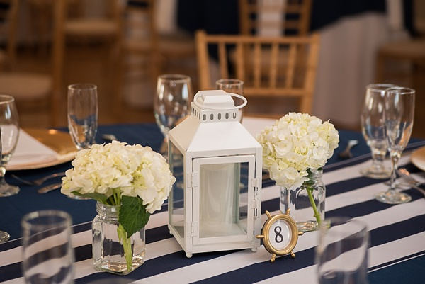 Nautical wedding idea with stripes