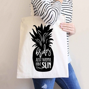 Pineapple tote bag for bride