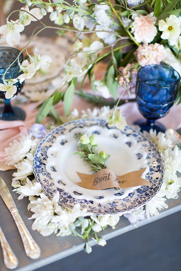 Unique Flower Wedding Chargers