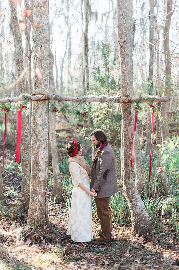 Red and green rustic ceremony idea