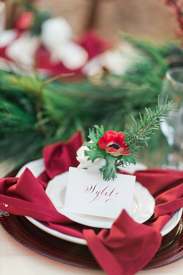 red and green christmas table setting