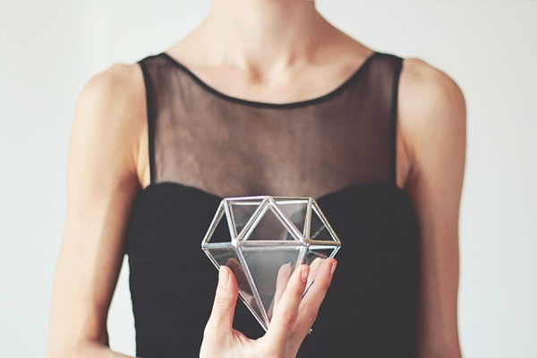 Geometric diamond ring box