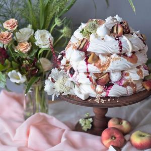 DIY Pavlova Meringue Alternative Wedding Cake