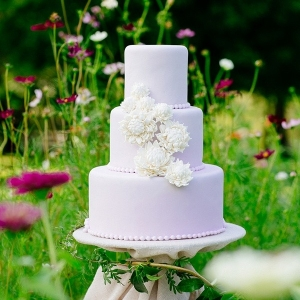 Garden purple wedding cake