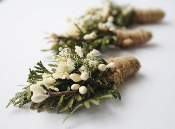 White Green Rustic Dried Flower Boutonnieres