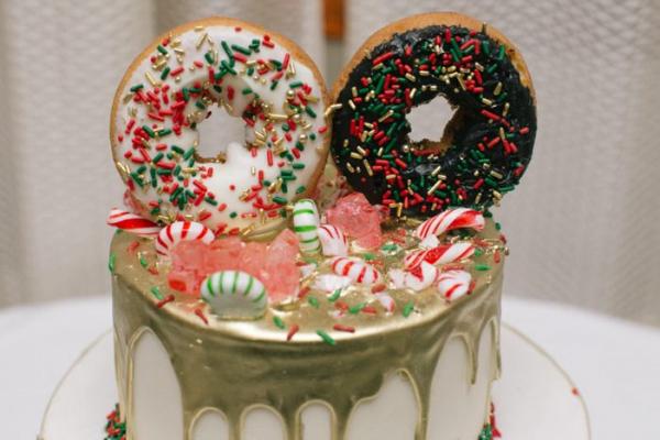 Christmas doughnut cake topper