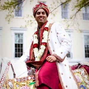 Groom on Horse for Hindu Baraat ceremony
