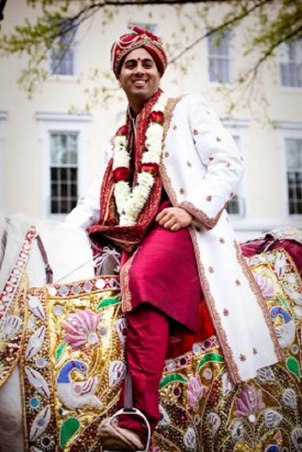 Groom on Horse for Hindu Baraat ceremony