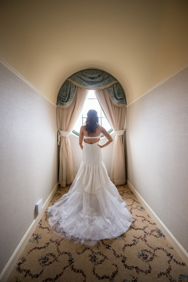 Glam all white wedding at the NMWA