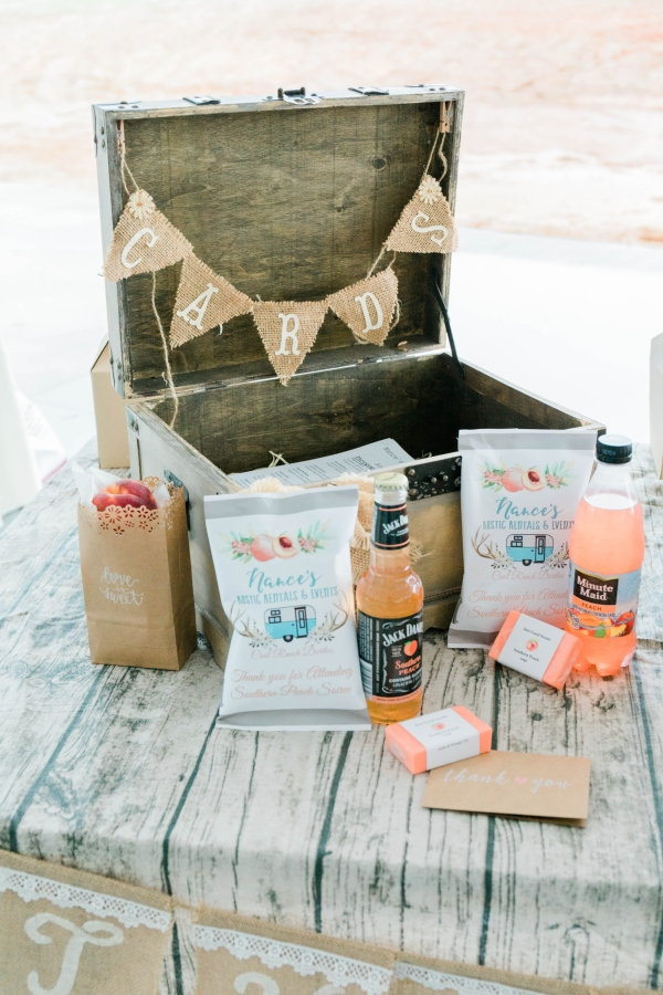 Peach welcome gifts