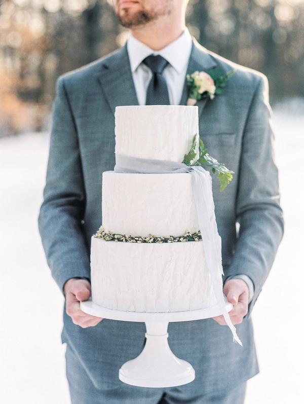 textured white winter wedding cake