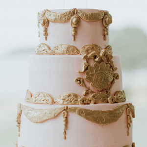 Maryland Gatsby Wedding - gold wedding cake